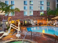 Hyatt Place Vista Outdoor Swimming Pool and Hot Tub