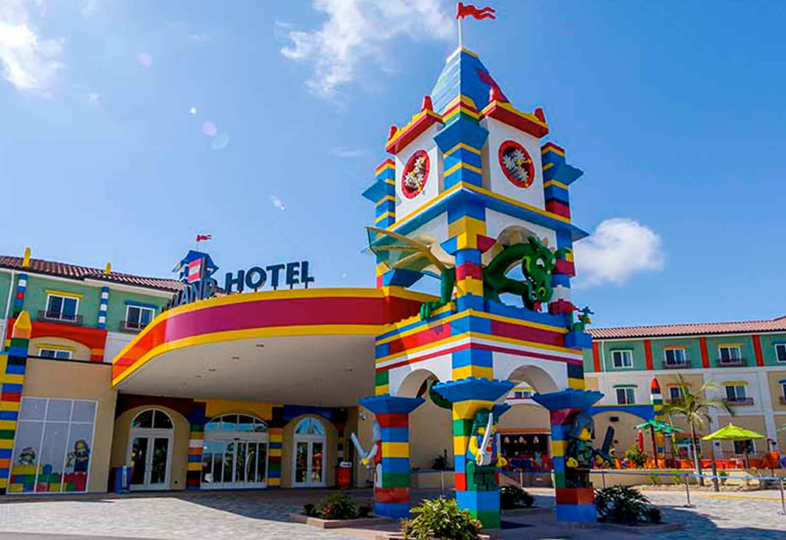 hotel and theme park An integrated resort offering hotel, villas, water theme park, safari wonderland, old west, freeport a'famosa outlet, golf course, meetings & incentives venues.